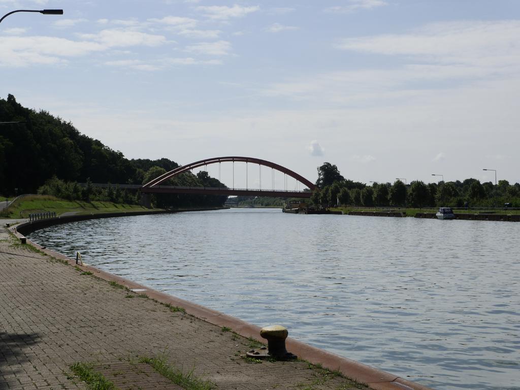 Bergeshöveder Straße, Brücke über den Dortmund-Ems-Kanal