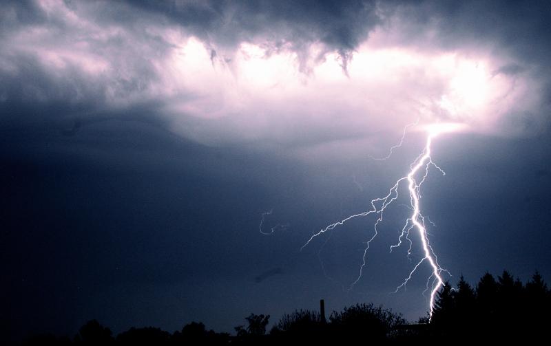 Blitzeinschlag legt Technik lahm
