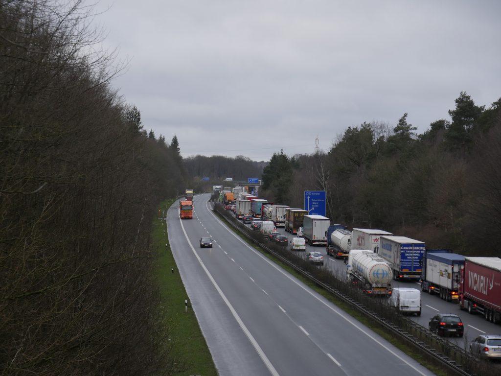 Vollsperrung der Autobahn 30 am Sonntag von 11 bis 13 Uhr